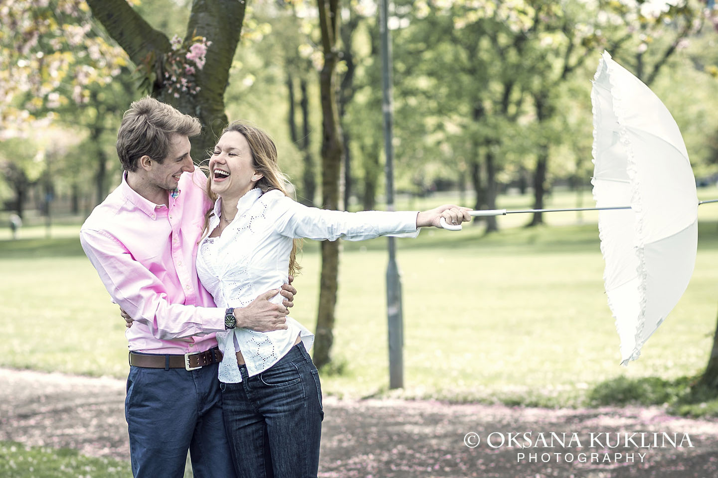 Love shoot in the Meadows, Edinburgh by Oksana Kuklina Photography
